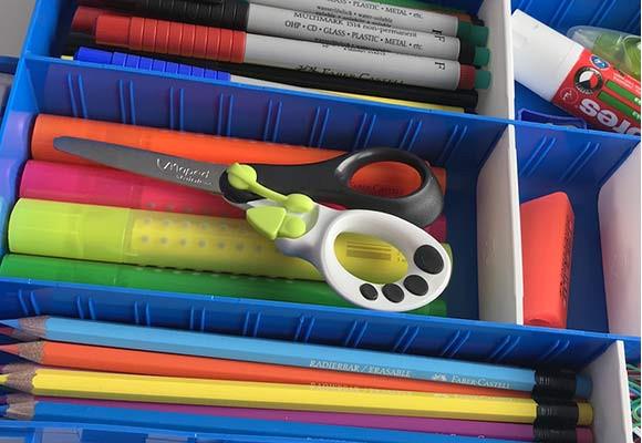 IDEAL BOX jako pomocník pro přehled a organizaci psacích potřeb